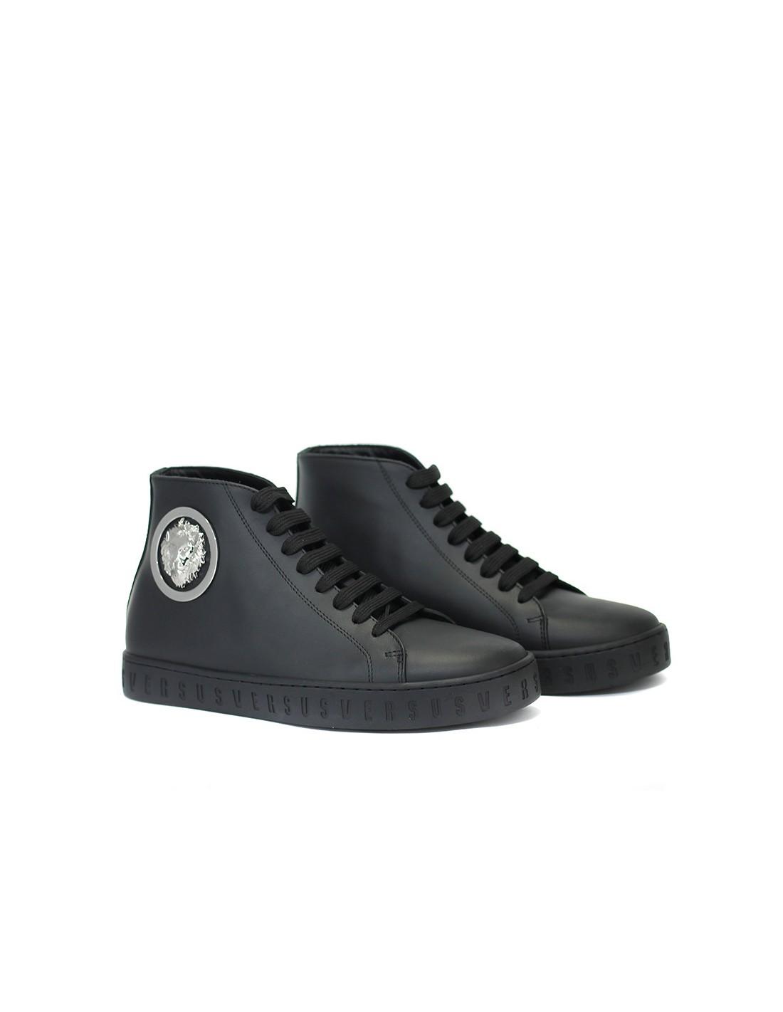 Scopri la nostra collezione sneakers Versus Versace FSX082C nero P E ... 05e82e48387