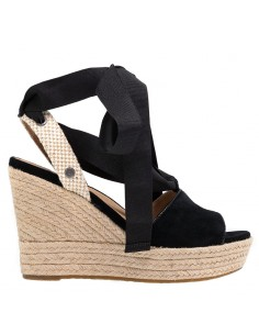 24470aca2b1f Le nuove scarpe UGG Australia online sul nostro shop, spedizione gratis