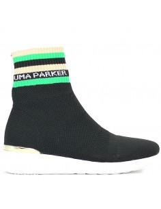 Uma Parker - Slip on